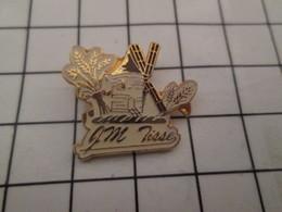 1015a Pin's Pins / Beau Et Rare / THEME : MARQUES / EPIS DE BLE MOULIN A VENT JM TISSE BOULANGER ? - Marques