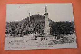 CPA 88 VOSGES BRUYERES. Place Stanislas. La Fontaine. - Bruyeres
