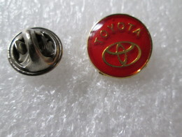 PIN'S     Logo  TOYOTA     16mm - Toyota