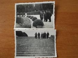VERSAILLES   WW2 GUERRE  39 45  SOLDATS ALLEMANDS TROUPES MONTAGNE ESCALIER PARC JARDIN - Versailles