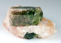 Mineral - Fluoro Apatite (Yates Uranium, Quebec, Canada) - Lot. 328 - Minéraux