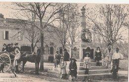 MASSEURE. Obélisque, Elevé En L'honneur Des Braves Soldats Morts Sur Le Champ De Bataille 1870-71. Place Animée Attelage - Autres Communes