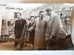 Place Dr Gairal à Carignan 08 Ardennes 1959 - Lieux