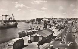 NANTES La Loire Et Le Quai De La Fosse (bateau Grue ..) CPSM Format CPA TIMBRE - Nantes