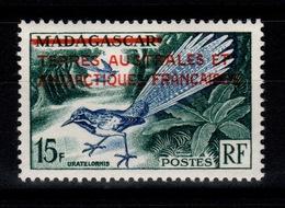 TAAF - YV 1 N* (trace) Surcharge Sur Madagascar Cote 22 Euros - Neufs