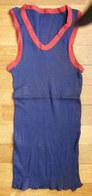 Une CHEMISE Débardeur Marcel Modèle Sport ATHLETISME EN COTON BLEU Liserets ROUGES Années 40-50 (mod 2 Col) - Vintage Clothes & Linen