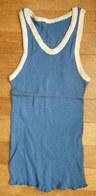 Une CHEMISE Débardeur Marcel Modèle Sport ATHLETISME EN COTON BLEU Liserets BLANCS Années 40-50 - Vintage Clothes & Linen