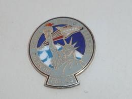 Pin's STATUE DE LA LIBERTE, NAVETTE USA - Espace