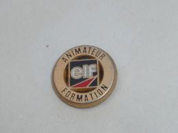 Pin's ELF, ANIMATEUR FORMATION, Signe DECAT - Carburanti