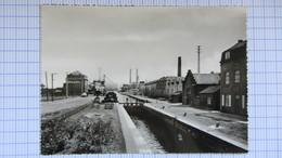 Pont , Peniche, Canal, Ecluse, ZWEVEGEM . - Belgique