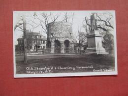 RPPC   Old Stonehill & Channing Monument    Rhode Island > Newport   Ref 4003 - Newport