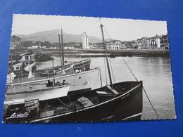 P.961 - SAINT JEAN DE LUZ - Le Port. Au Fond Le Phare De Ciboure Et La Rhune - Saint Jean De Luz