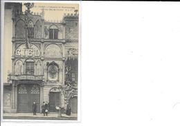PARIS 18  N 390  CABARET  BLD DE CLICHY   LE CIEL CABARET  PERSONNAGES DEVANT FACADE - Distrito: 18