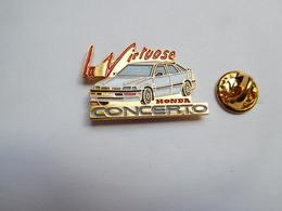 Superbe Pin's , Auto Honda Concerto , La Virtuose - Honda