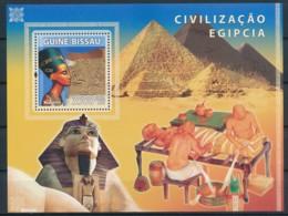 NB - [401096]TB//**/Mnh-Guinée-Bissau 2009 - Civilisation Egyptienne, Nephertiti, Pyramides - Egyptology