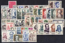 FRANCE ( ANNEE COMPLETE ) :1957  52  TIMBRES  NEUFS  SANS  TRACE  DE  CHARNIERE , A  VOIR .  TIR - 1950-1959