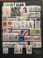 FRANCE Année 1983 - YT N° 2252 à 2298 (sauf Les 4 Liberté) - 43 Timbres Neufs Sans Charnière - France