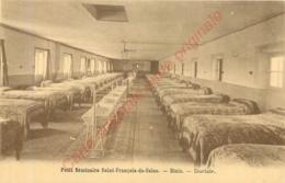 41.  BLOIS . Petit Séminaire St-François-de-Sales .  Dortoir . - Blois