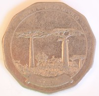 MADAGASCAR MALAGASY 50 ARIARY 1992 - Madagascar