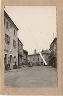 Dept 42 : ( Loire ) Noiretable, Place De La Mairie. - Noiretable
