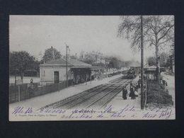 Ref5983 CPA Animée Le Vésinet - La Gare Avec Train Et Voyageurs - A Després. - 1902 - Gares - Avec Trains