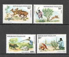 X046 1975 TOGO FAUNA WILD ANIMALS HUNTING #1102-05 SET MNH - Postzegels