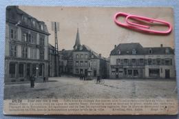 ARLON :Grand'Place Avec La Croix  Et Le Plombier Zingueur En 1914 - Arlon