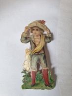 Découpi Enfant Habillé Avec écharpe Sur Le Côté Et Tenant Un Chapeau Sur Sa Tête - Children