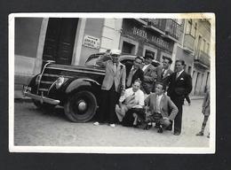 """Fotografia Grupo Homens Junto A Loja """"HORTA ALFAYATE"""" Em Vila Franca De Xira. Vintage Photo (Lisboa) PORTUGAL 1941 - Places"""