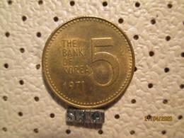 KOREA 5 Won 1971 # 4 - Korea, South