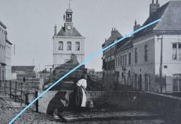 Photo SAINT OMER Ou Région Pre 1914 Commerce Lebrieiz Pecqueur Puiseuse D'eau Promeneurs - Lieux
