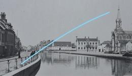 Photo SAINT OMER Ou Région Pre 1914 Canal Promeneurs Eglise - Lieux
