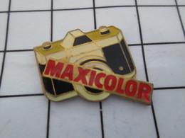 1216b  Pin's Pins / Beau Et Rare / THEME : PHOTOGRAPHIE / APPAREIL PHOTO REFLEX MAXICOLOR - Photography