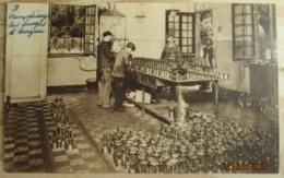 CHARBONNAGE     MINE    MINEUR   LE      REMPLISSAGE    DES     LAMPES - Mines