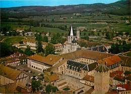 71 - Cluny - Vue Aérienne De L'Abbaye - L'école Des Arts Et Métiers - La Tour Des Fromages Et Du Haras - Voir Scans Rect - Cluny