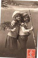 CPA - Deux Enfants L'hiver  - écrite  - - Groupes D'enfants & Familles