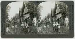 Russia ~ MAN WOODEN SCYTHE PEASANTS & CHILDREN IN RURAL VILLAGE ~ 18129 Ve484b - Stereoscopio