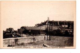 LANGRES (Remparts) - Le Petit Séminaire Et Ancien Pigeonnier Militaire - Langres