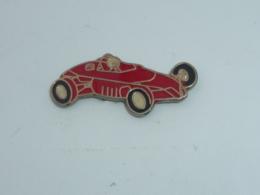 Pin's VOITURE DE COURSE, FERRARI - Ferrari