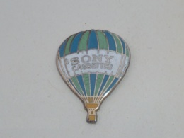 Pin's MONTGOLFIERE SONY CASSETTES - Fesselballons