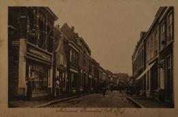 Roosendaal - Roozendaal (N-Br.) Molenstraat (links Winkel - Rechts Scheersalon) 1920 Links Kreukel - Roosendaal