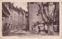 FRANCE 1933  CARTE POSTALE DE SIGNES  PLACE ET FONTAINE ST-JEAN - Signes