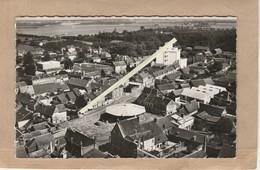 Dept 27 : ( Eure ) Damville, Place De La Halle. - France