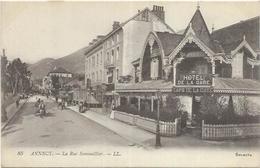 74. ANNECY.   LA RUE SOMMEILLIER ET HOTEL DE LA GARE - Annecy