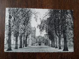 L27/935 St GERMAIN En LAYE . Maison D'éducation De La Légion D'honneur . Les Loges - St. Germain En Laye (castle)