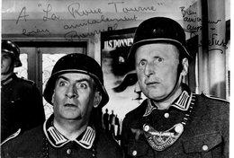 LA GRANDE VADROUILLE-CARTE PHOTO DEDICASSEE BOURVIL ET LOUIS DE FUNES - Actors