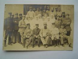 CARTE POSTALE PHOTOGRAPHIE 1918 : SOLDATS 15 ème REGIMENT / INFIRMIERES - 1914-18