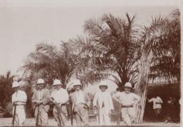 Congo Belge Photo En 1926 Colons Chasseurs Avant Le Départ Pour La Chasse - Afrique