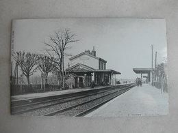 PHOTO Repro De CPA (la Vie Du Rail) - Gare - La Gare De Gagny - Trains