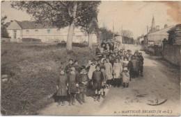 49 MARTIGNE-BRIAND L'Ecole Libre (carte Rare) - Sonstige Gemeinden